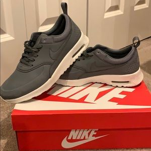 WOMENS NIKE AIR MAX THEA PRM